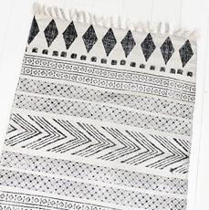 tapis en coton motif g om trique par house doctor. Black Bedroom Furniture Sets. Home Design Ideas