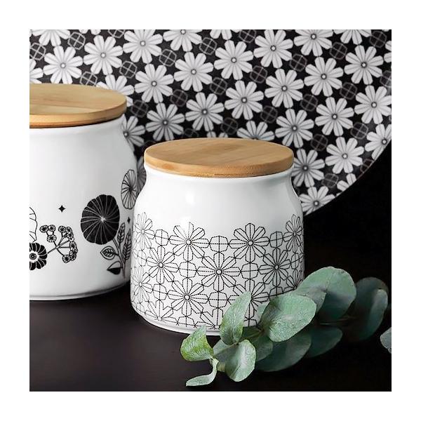 pot en porcelaine fleurs g om triques par mr mrs clynk. Black Bedroom Furniture Sets. Home Design Ideas