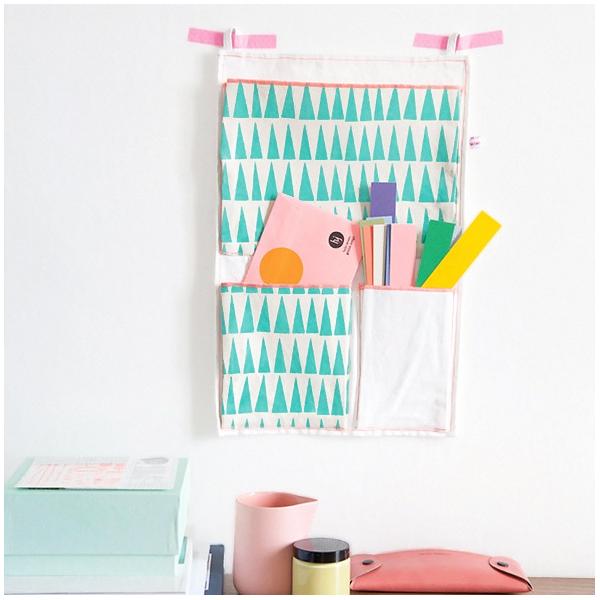 Pochette murale triangles par mimi 39 lou - Rangement pochette murale ...