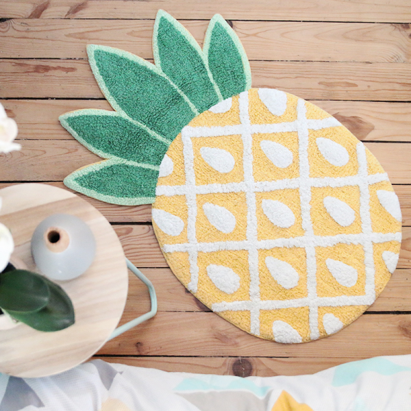 Tropical pineapple rug