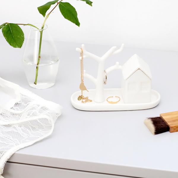 bo te et portant bijoux maison et arbre en porcelaine. Black Bedroom Furniture Sets. Home Design Ideas