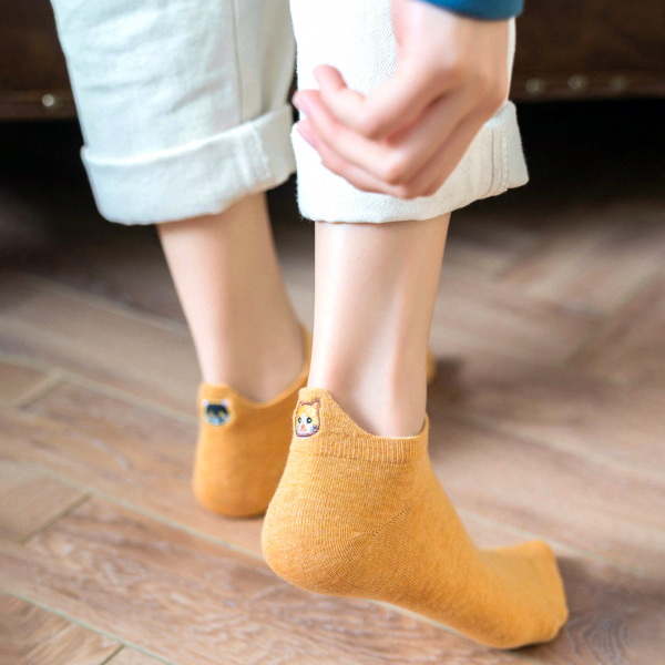Hankle socks - Embroided cat