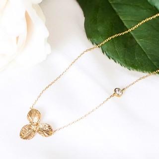 Collier fleur dorée