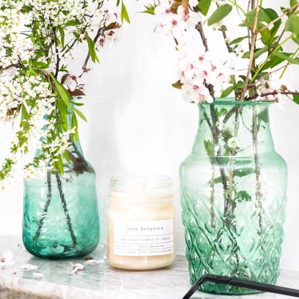 Set of 2 glass vases