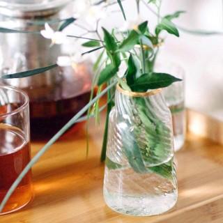 Gold glass vase v.2