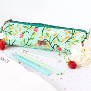 Pencil pouch - Strawberry meadow