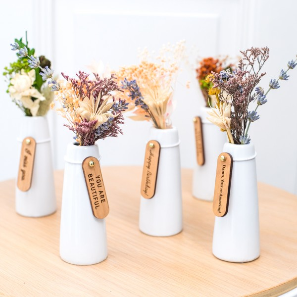 Mini dried floral vases with wood gift tag