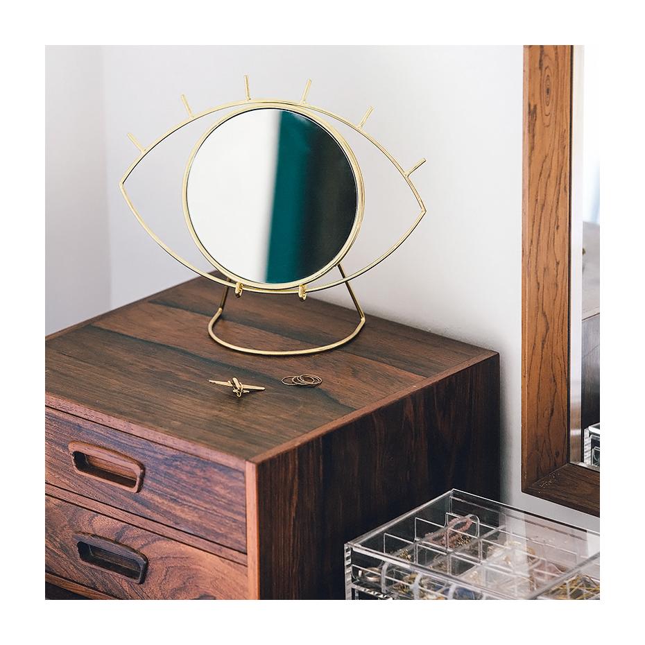 miroir poser en forme d 39 oeil dor par doiy. Black Bedroom Furniture Sets. Home Design Ideas